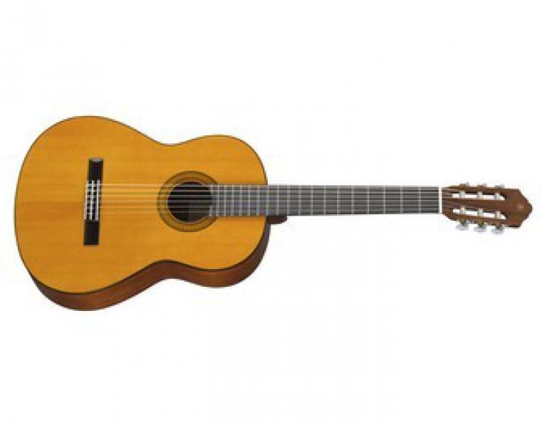 Yamaha CG102 Klasiskā ģitāra