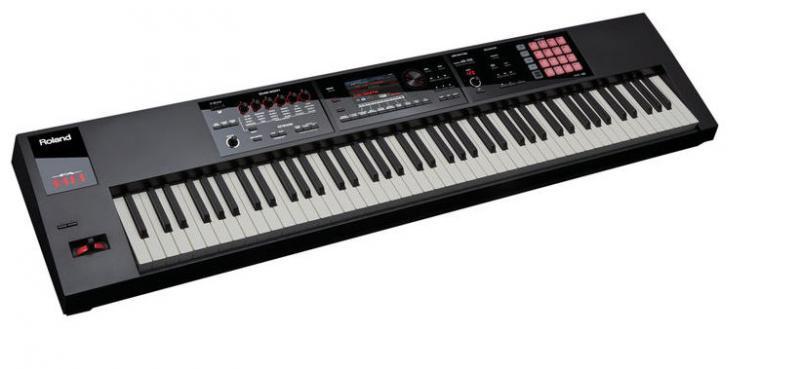 Roland FA-08 sintezators